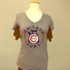 Chicago Cubs gray tee